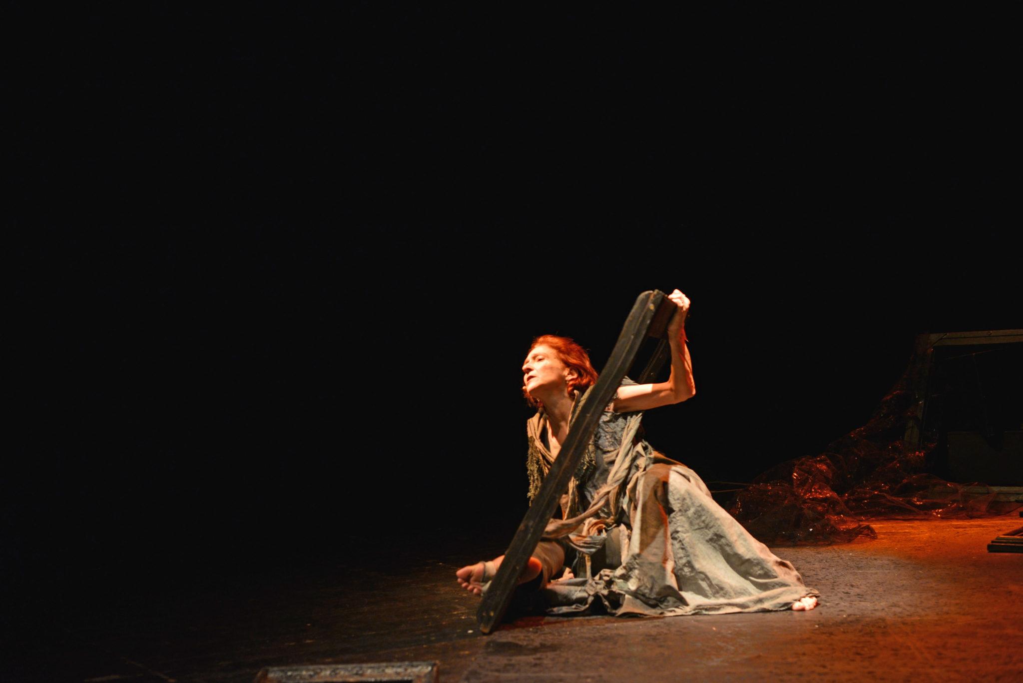 """""""Cassandra"""" -- Teatro Franco Parenti"""