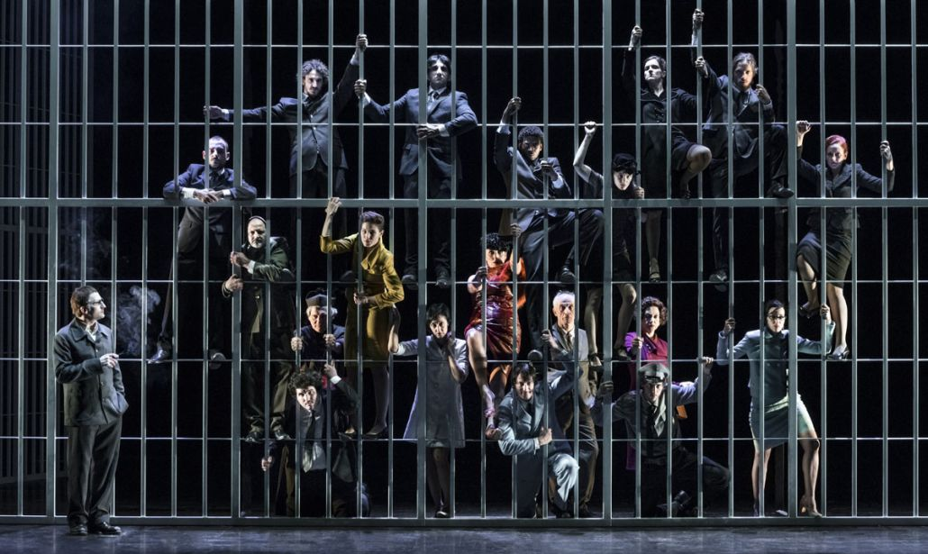 """""""OPERA DA TRE SOLDI"""" al Piccolo Teatro Strehler"""