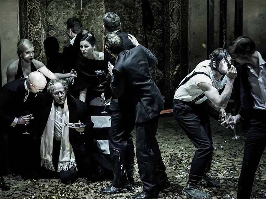 """RICCARDO III"" -- Piccolo Teatro Strehler"